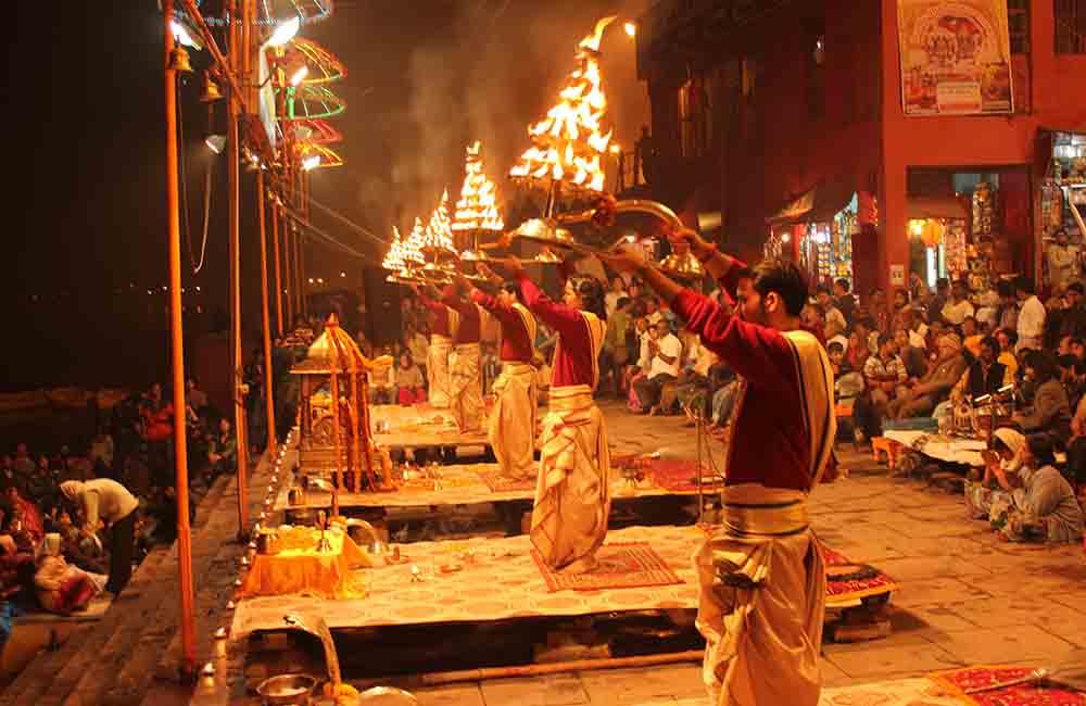 Aarti at Dashwamedha Ghat