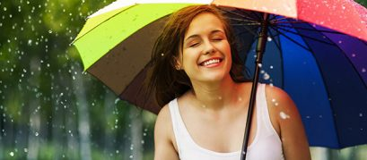 10 Monsoon Essentials That You Must Not Forget During Your Outing This Season!