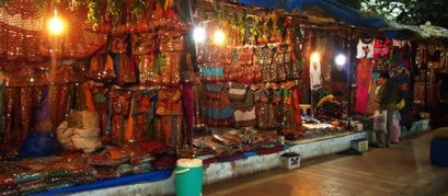 Law-Garden-Night-Market,-Ahmedabad