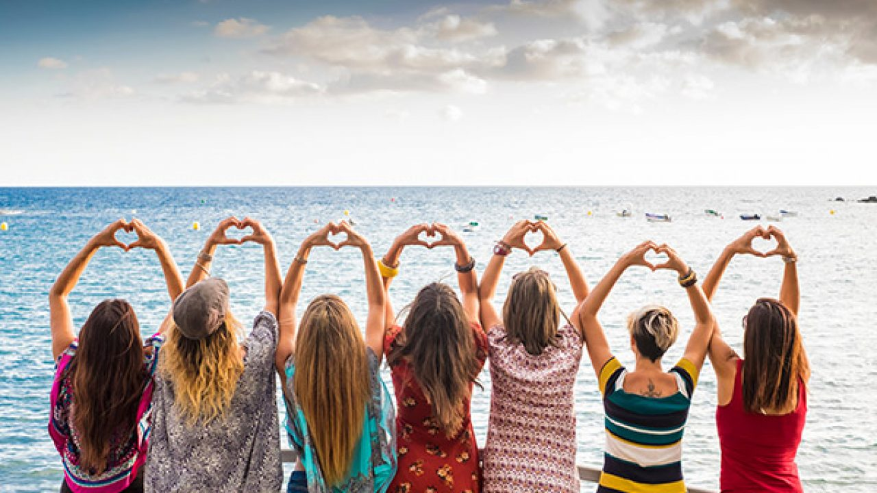 Women Travel Groups 2021 Female Travel Groups In India Fabhotels