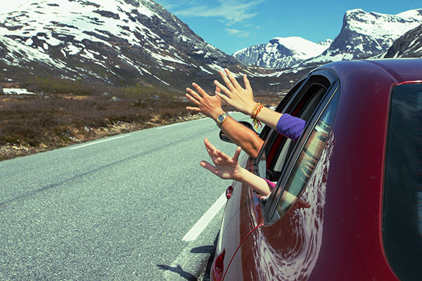 Road Trip Guide: 50 Useful Tips to Follow While Travelling - FabHotels